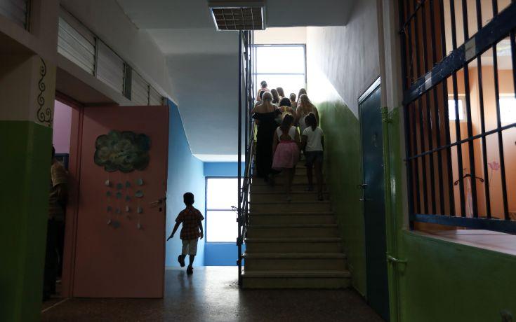 Διώχνουν δάσκαλο που κλείδωσε 9χρονο μαθητή στην τάξη και έφυγε