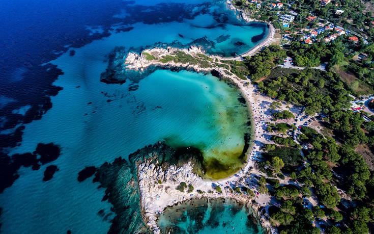 Οι ελληνικοί προορισμοί που προτείνει η Telegraph για οικογένειες
