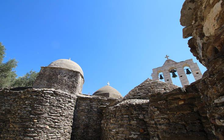 Η ιστορική μονή της Νάξου και οι θρύλοι που τη συνοδεύουν