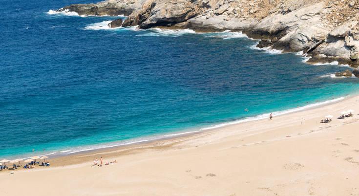 Μία όμορφη παραλία στην Άνδρο