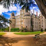 Το εντυπωσιακό κάστρο στη Γαλλία που προκαλεί ανατριχίλα
