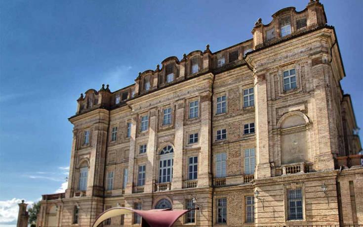 Πώς είναι να μένεις σε μεσαιωνικό ιταλικό κάστρο με 2.500 ευρώ τη βραδιά