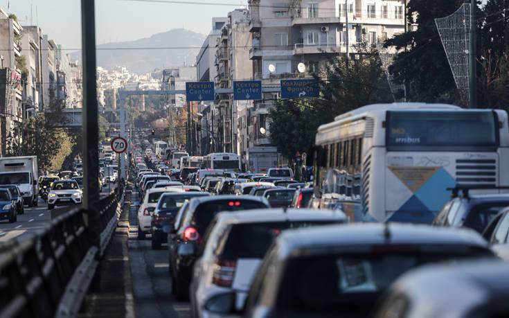 Αριθμοί που προβληματίζουν: Οι Έλληνες χάνουν 36 ώρες τον χρόνο λόγω… μποτιλιαρίσματος