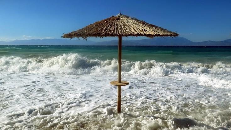 Πώς επιδρά ο κορονοϊός στα έσοδα του τουρισμού και στη συνολική οικονομία της Ελλάδας