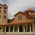 Πιστοί στη Λάρισα δηλώνουν: «Δεν φοβόμαστε τον κορονοϊό μέσα στην Εκκλησία»