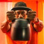 Ο «έξυπνος» τρόπος να γυμναστείς στο σπίτι με τα γυμναστήρια κλειστά