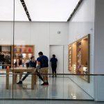 Η Apple στη μάχη του κορονοϊού: Φτιάχνει ιατρικές ασπίδες προσώπου – Πάνω απο 1 εκ. την εβδομάδα