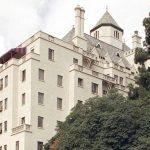 Θρυλικό ξενοδοχείο ξεπουλά προϊόντα για να στηρίξει τους απολυμένους υπαλλήλους τους