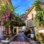 Μία ελληνική πόλη και ένα νησί στους κορυφαίους προορισμούς για ταξίδι τον Σεπτέμβριο