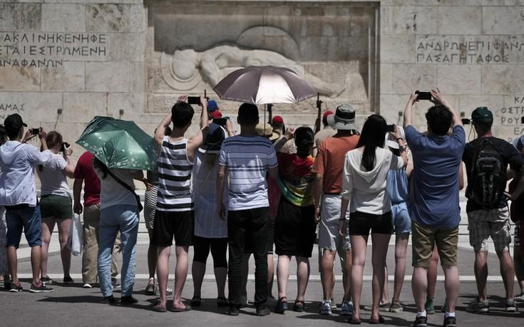 Γερμανός υφυπουργός Τουρισμού: Οι Ευρωπαίοι θα καταφέρουν να ταξιδέψουν φέτος το καλοκαίρι