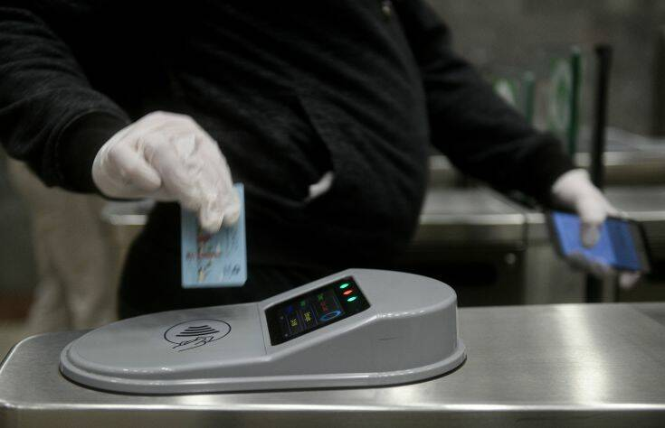 Μείωση ΦΠΑ: Αυτός θα είναι ο νέος τιμοκατάλογος σε καφέ, εισιτήρια ΜΜΜ και σινεμά
