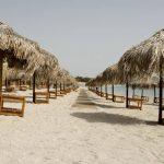 Άνοιξαν οι οργανωμένες παραλίες – Πώς διαμορφώνεται η λειτουργίας τους λόγω κορονοϊού