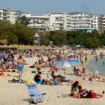 Αύξηση κρατήσεων για διακοπές στην Ελλάδα, τις Βαλεαρίδες και την Πορτογαλία καταγράφουν τουριστικές εταιρίες