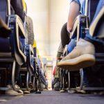 Μάσκες, αντισηπτικά και μικρότερη πληρότητα στις πτήσεις