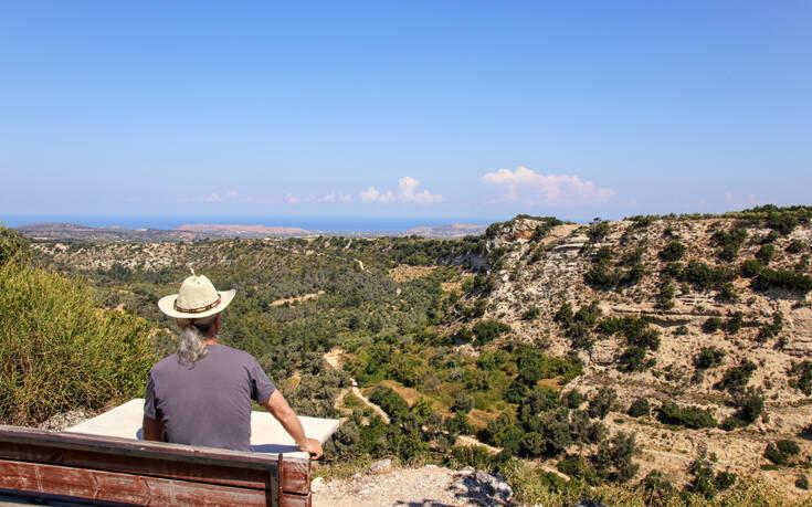 Ένας στους δύο Γερμανούς δεν θα κάνει διακοπές – «Καμία ανησυχία για Ελλάδα»