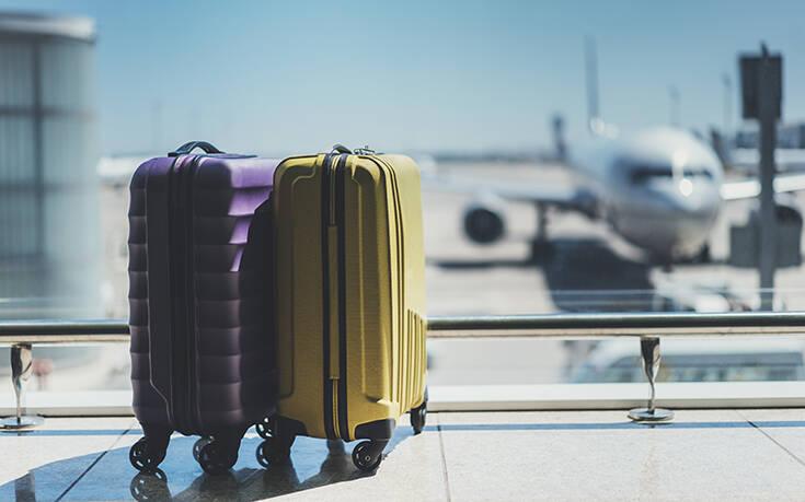 Politico: Γιατί να μην κλείσετε ακόμα τις διακοπές σας