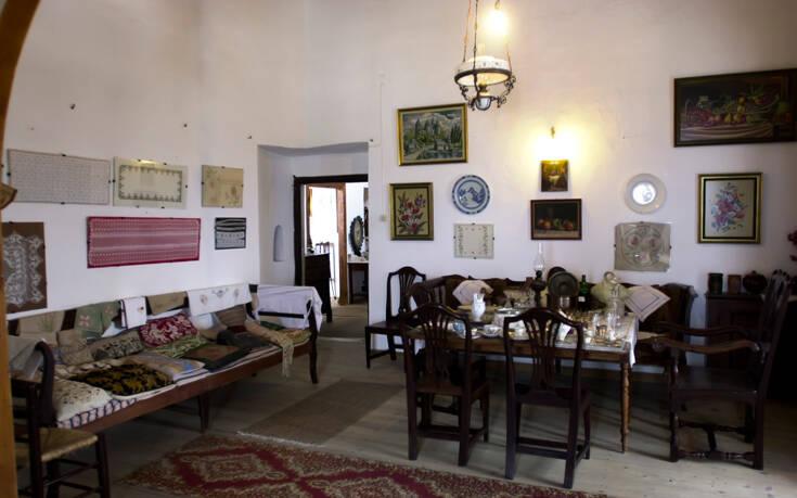 Το γοητευτικό αρχοντικό της Νάξου που φιλοξενεί το Ενετικό Μουσείο του νησιού