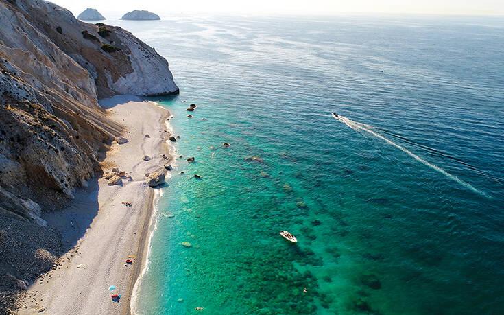 Η παραλία της Σκιάθου που θα σας πάρει τα μυαλά