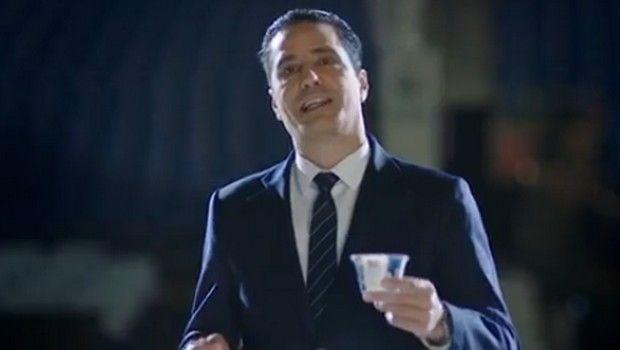 Ο Γιάννης Σφαιρόπουλος διαφημίζει ελληνικό γιαούρτι στο Ισραήλ