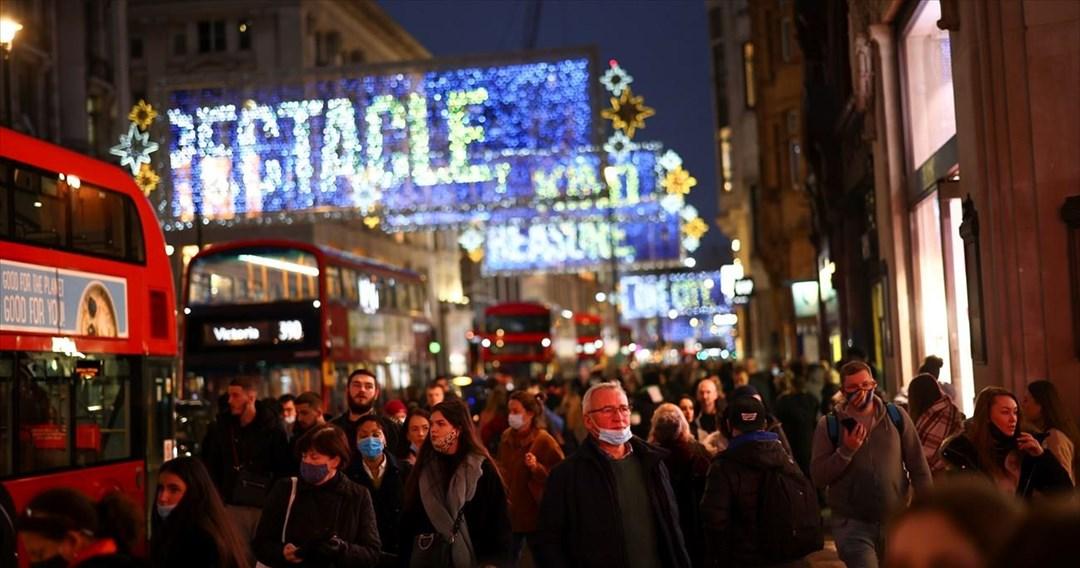 Για τα τελευταία ψώνια σπεύδουν οι πολίτες σε Βρετανία και Γερμανία
