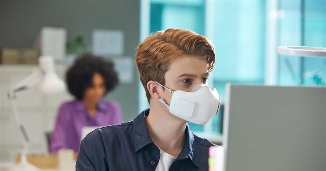 Περιορισμένη η προστασία της μάσκας σε κλειστούς χώρους