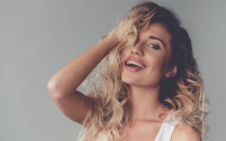 Ο τρόπος για να κρατήσετε το ξανθό χρώμα των μαλλιών σας λαμπερό στο σπίτι – Newsbeast