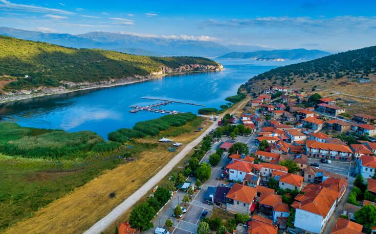 Το μαγευτικό χωριό της λίμνης των Πρεσπών – Newsbeast