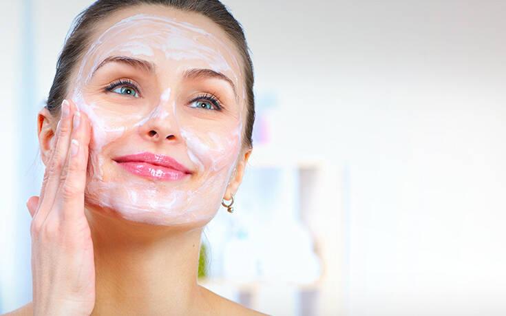 Η τέλεια μάσκα αναζωογόνησης προσώπου με δύο υλικά από την κουζίνα – Newsbeast