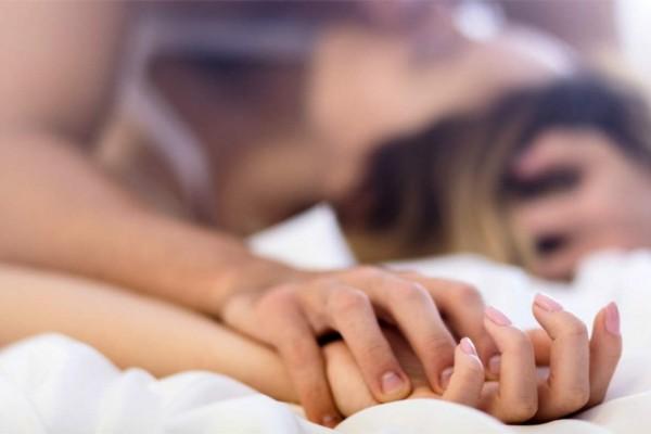 """48χρονη Στέφη: """"Έπιασα τη νύφη μου με άλλον. Δεν το λέω στο γιο μου και διαχειρίζομαι τα λεφτά της"""" – Έρωτας και Σχέσεις"""