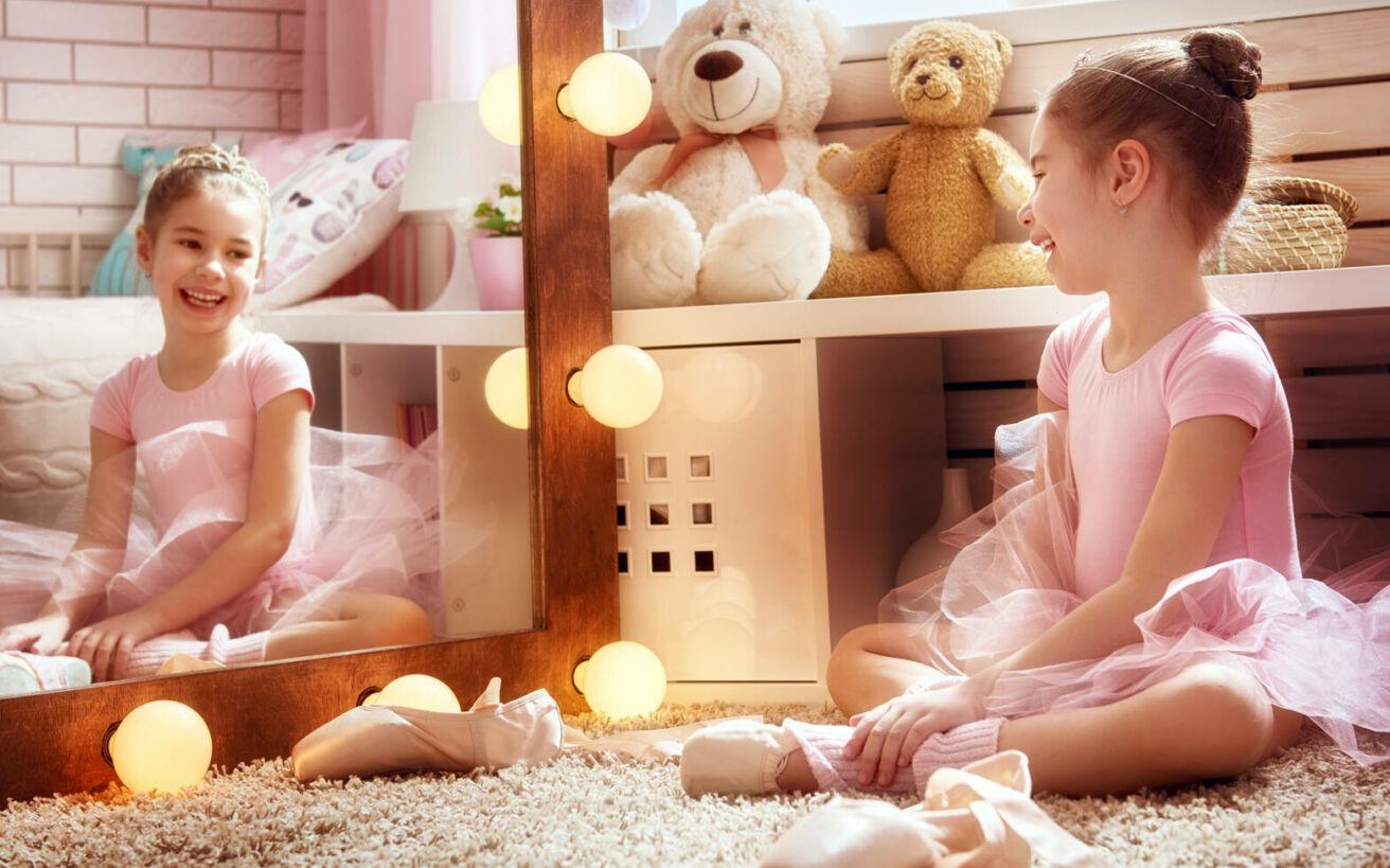 Η άγνωστη ιστορία για το πώς καθιερώθηκε το ροζ χρώμα στα κορίτσια – Newsbeast