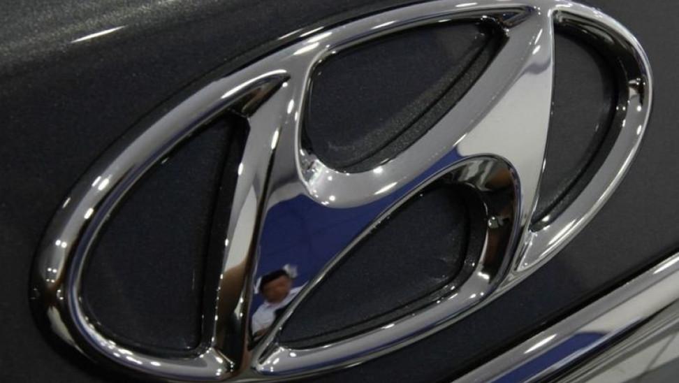 Η Hyundai επανεξετάζει τη συνεργασία της με την Apple