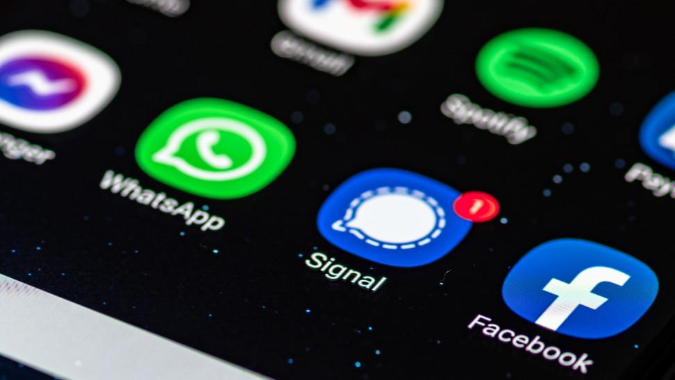 Τι είναι Signal και γιατί Elon Musk θέλει να το κατεβάσουμε -Θα επισκιάσει Whatsapp;