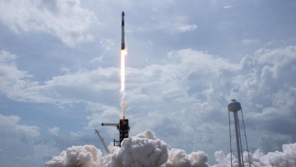 Το σκάφος της SpaceX ξεκίνησε το ταξίδι του προς τον Διεθνή Διαστημικό Σταθμό