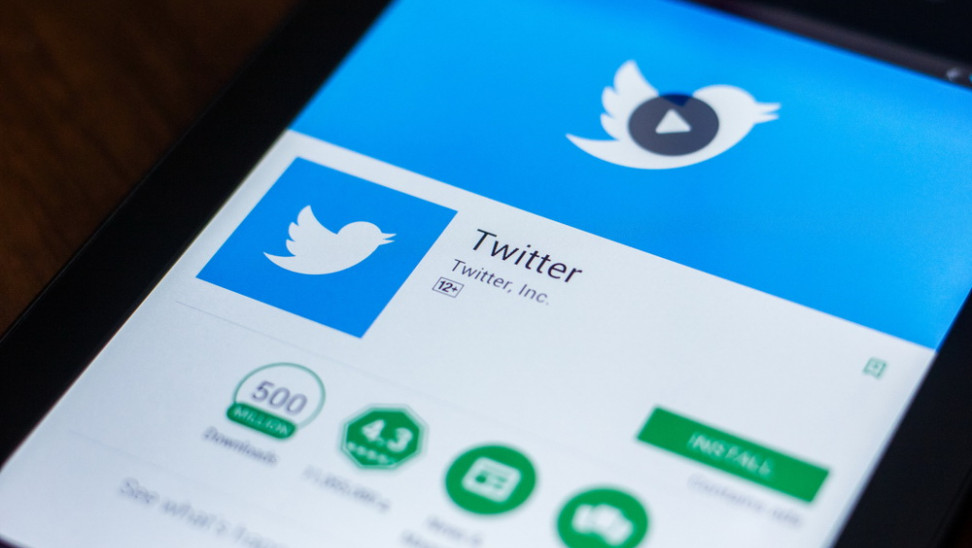 Συνεχίζει «αστυνόμευση Ρωσίας στο Twitter: Παρέτεινε τιμωρητική επιβράδυνση έως 15 Μαΐου