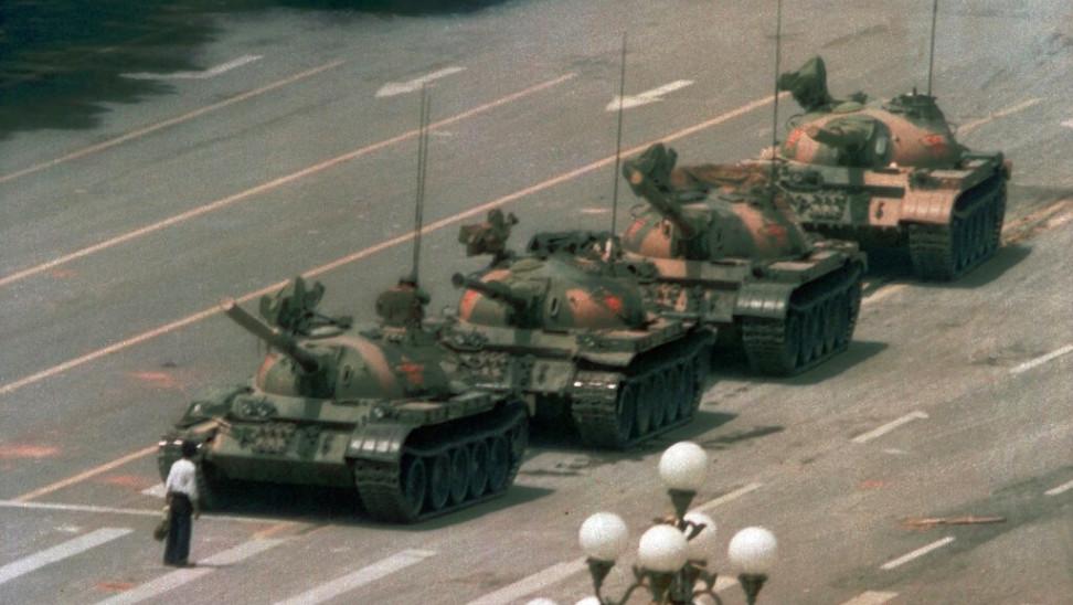 Γιατί εξαφανίστηκε η ιστορική φωτογραφία του Tank Man από τη μηχανή αναζήτησης Bing