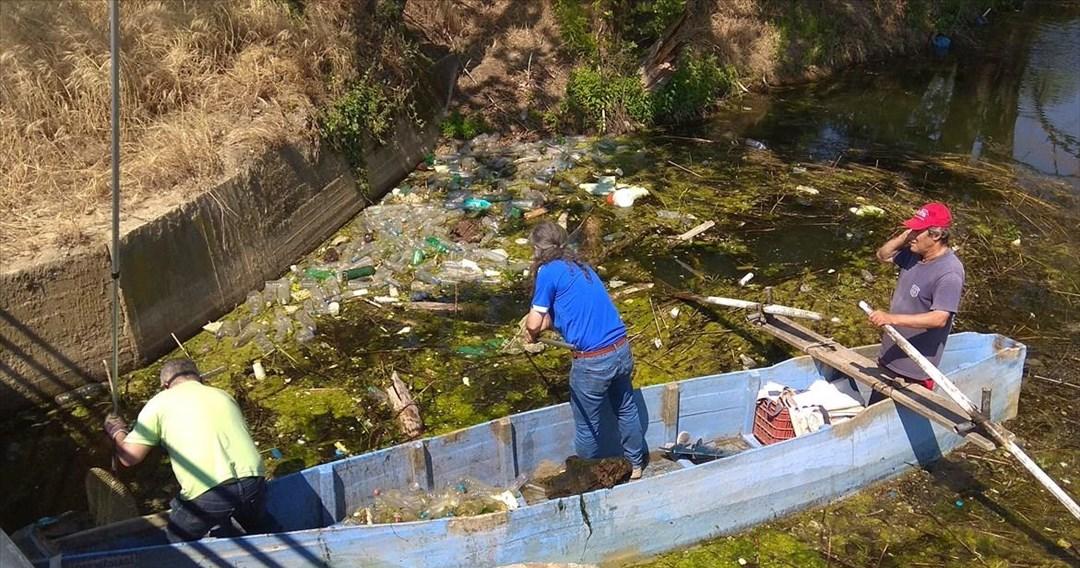 Εθελοντές απομάκρυναν περί τα 6.000 λίτρα σκουπιδιών από τη λίμνη Δοϊράνης