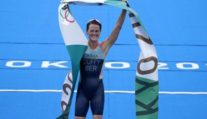 Ολυμπιακοί Αγώνες – Τρίαθλο: Η Ντάφι από τις Βερμούδες κατέκτησε το χρυσό