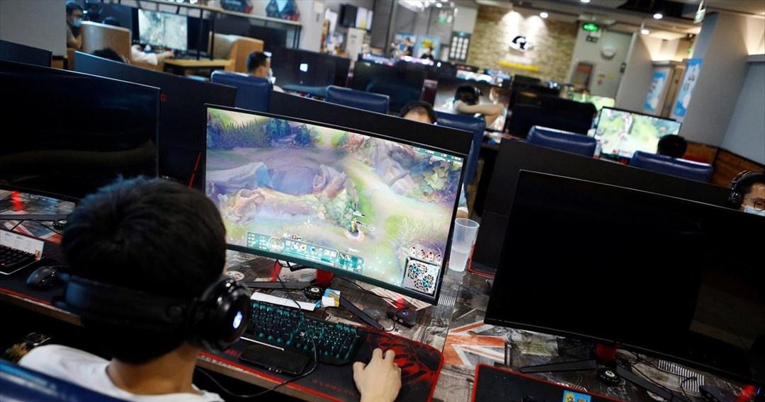 Μόνο τρεις ώρες την εβδομάδα, τα online βιντεοπαιχνίδια για τους ανήλικους