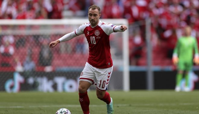 H UEFA βραβεύει τον Κιάερ και το ιατρικό επιτελείο της Δανίας που έσωσαν τη ζωή του Έρικσεν