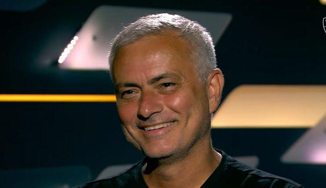 """Μουρίνιο: """"Ο Άμπραχαμ έδειξε πως έχει φιλοδοξίες ερχόμενος στην Ρόμα"""""""