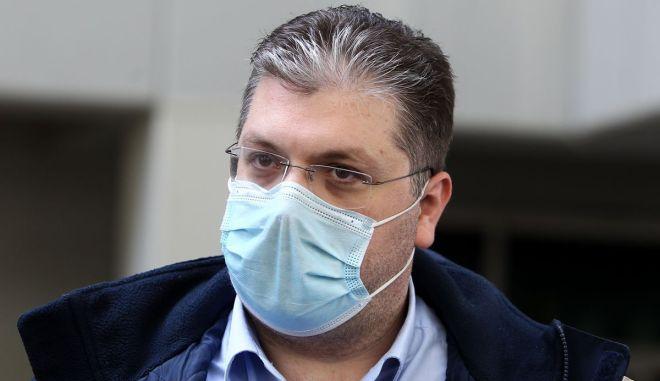 """Παπανικολάου κατά Λιόλιου: """"Είναι επιτακτικό οι υποψήφιοι να απενεργοποιήσουν το σχέδιο εξόντωσης του ελληνικού μπάσκετ"""""""