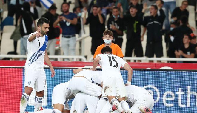 Ελλάδα – Σουηδία: Ο Παυλίδης έκανε το 2-0 με ασίστ Τζόλη και VAR