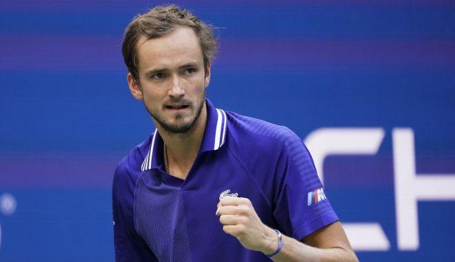 Αλιασίμ – Μεντβέντεφ 0-3: Ρώσικος σίφουνας στον τελικό του US Open