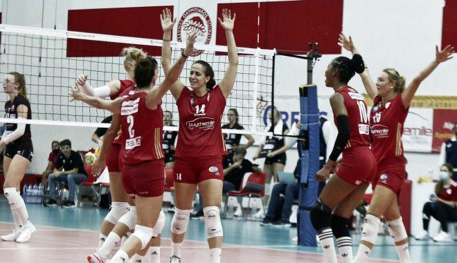 Ολυμπιακός – Αστερίξ 3-1: Έκαναν το πρώτο βήμα πρόκρισης οι ερυθρόλευκες