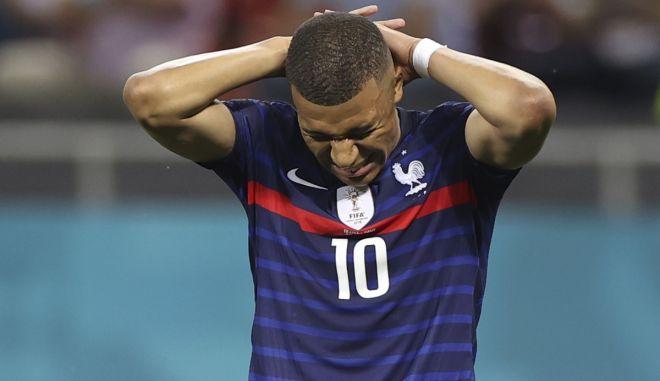 """Εμπαπέ: """"Ένιωσα ότι εγώ είμαι το πρόβλημα στην εθνική Γαλλίας, λήξαν το ζήτημα με τον Νεϊμάρ"""""""